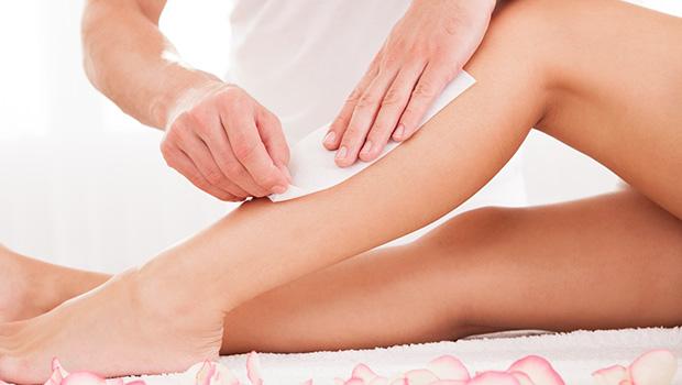 A depilação é um dos serviços mais procurados no ramo da estética, sendo uma técnica precisa de extração dos folículos capilares e pelos de todo o corpo – de forma permanente ou temporária.